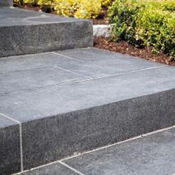 Blockstufen Granit Grau 15 cm hoch 35 cm Auftritt